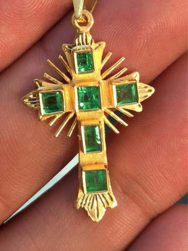 Cruz De Esmeraldas Genuinas Y Enchapé De Oro 18k