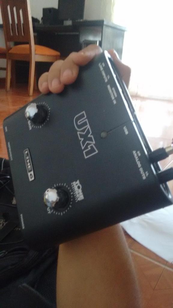 Pod Studio UX1 Line 6 Interfaz de audio