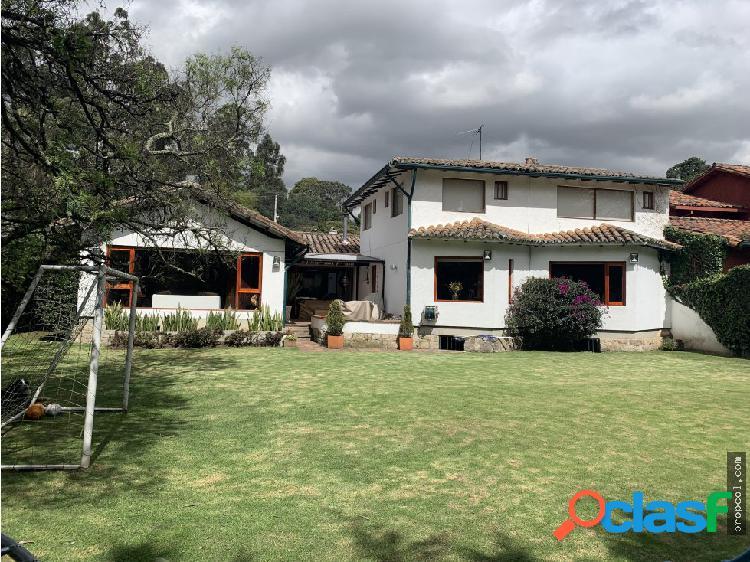 Se vende espectacular Casa en Antigua Niza, Bogota