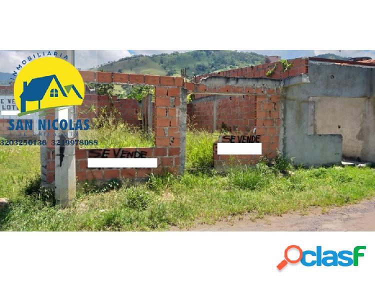 VENDO CASA EN CONSTRUCCION EN CHINACOTA