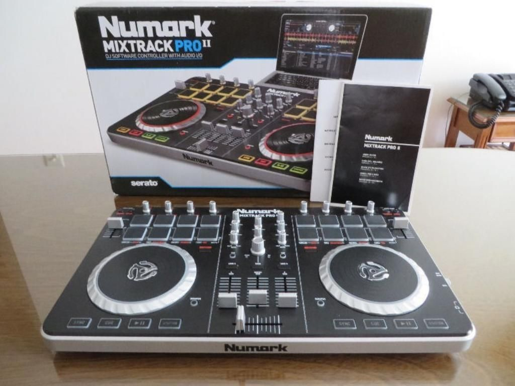 Vendo Controaldora Numark Mixtrack Pro 2