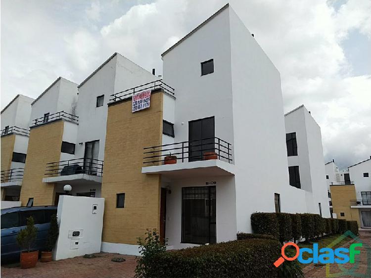 Venta o Arriendo Excelente casa en Chía