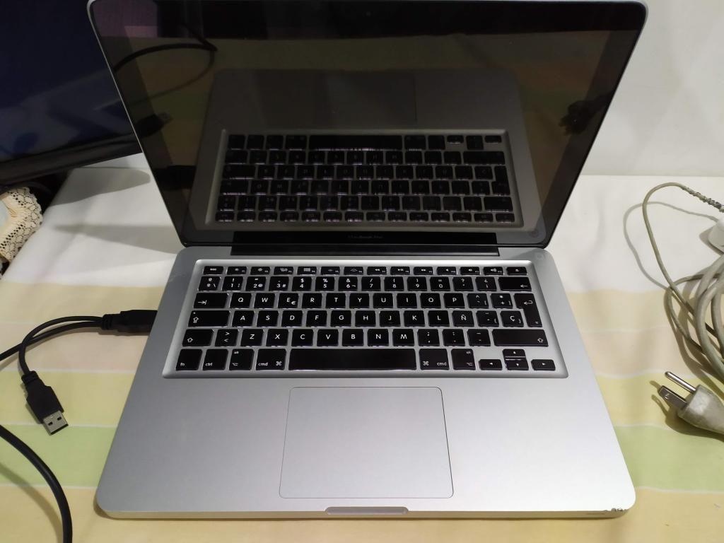 Macbook Pro 13', Mid