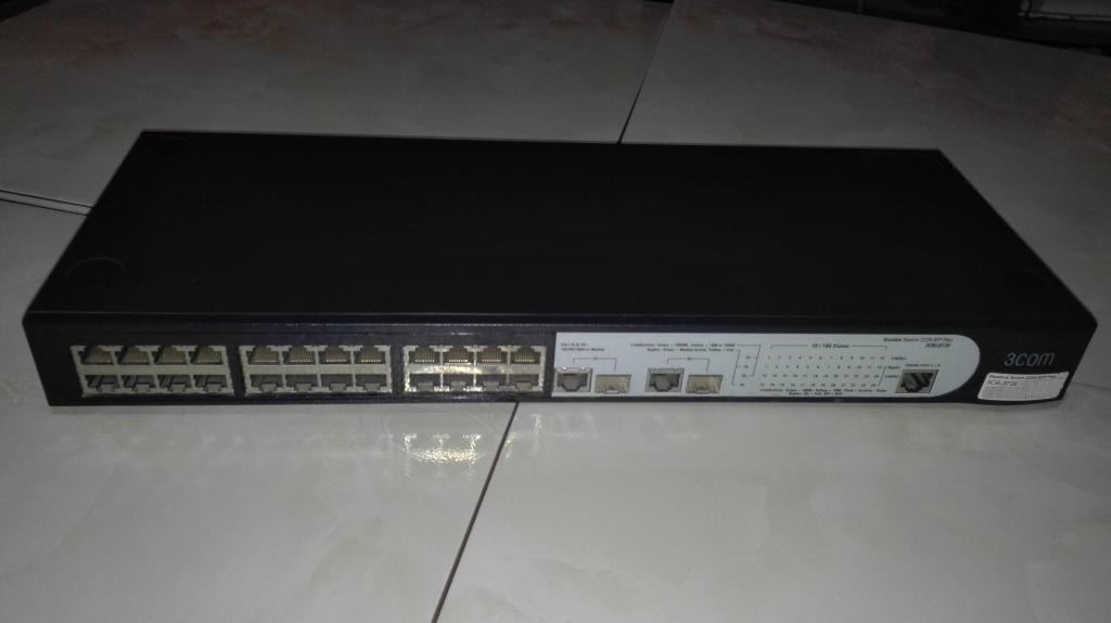switch 3COM de 24 puertos