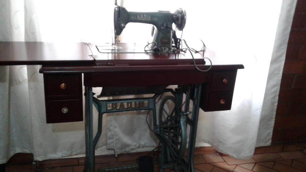 Maquina de coser Antigua con Mueble y Opcion de ENVÍO
