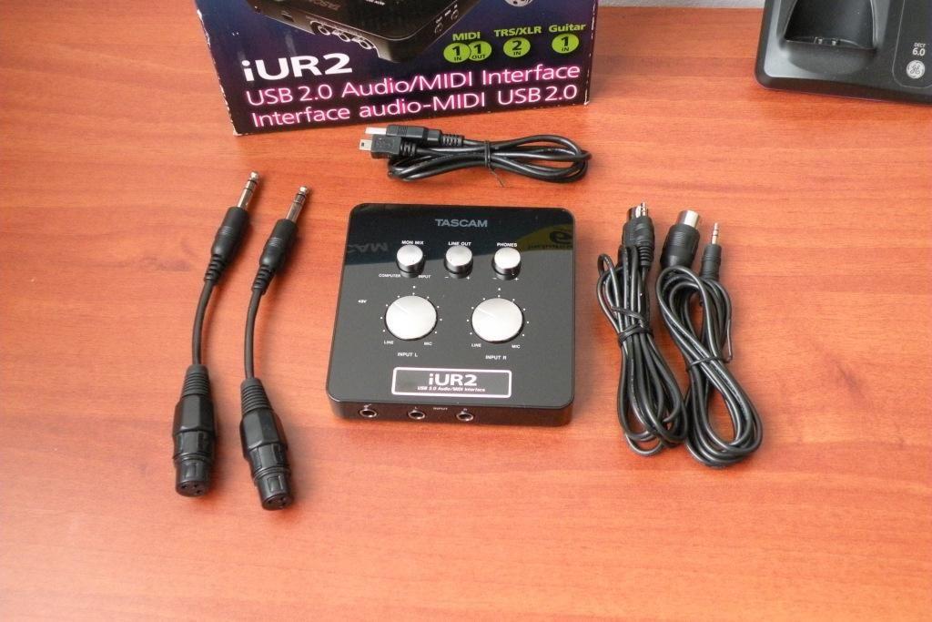 Tascam iUR2 interface de audio usb midi con accesorios PC