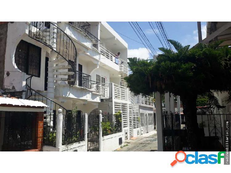 vendo casa en el sur de cali Córdoba 3 aptos indep