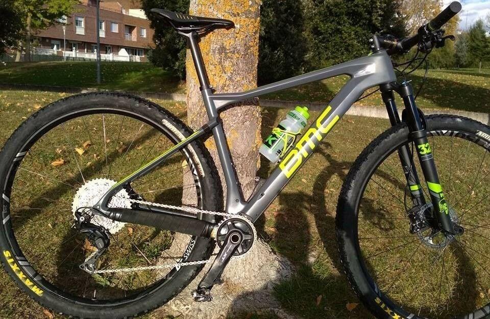 BICICLETA BMC TEAM ELITE 01 XT  EN FIBRA DE CARBONO