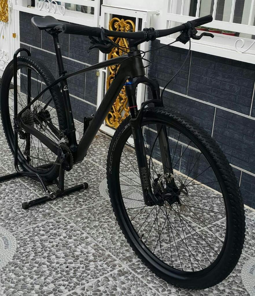 Specialized Montaña Carbono Rin 29-m