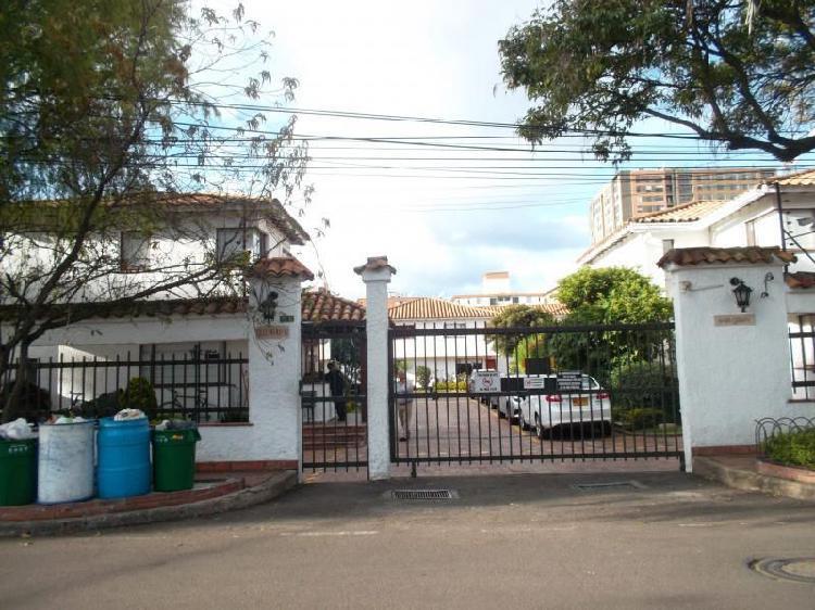 Casa En Venta En Bogota Cedritos-Usaquén Cod. VBINP22151