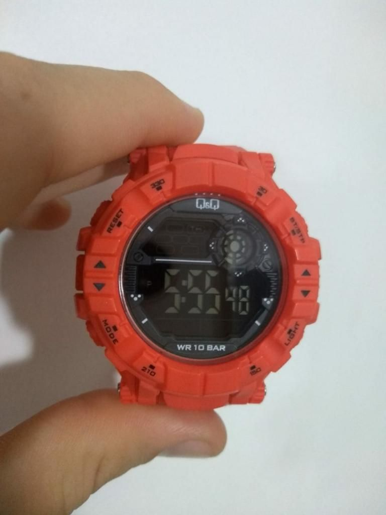 Reloj Original Nuevo Qyq Hombre
