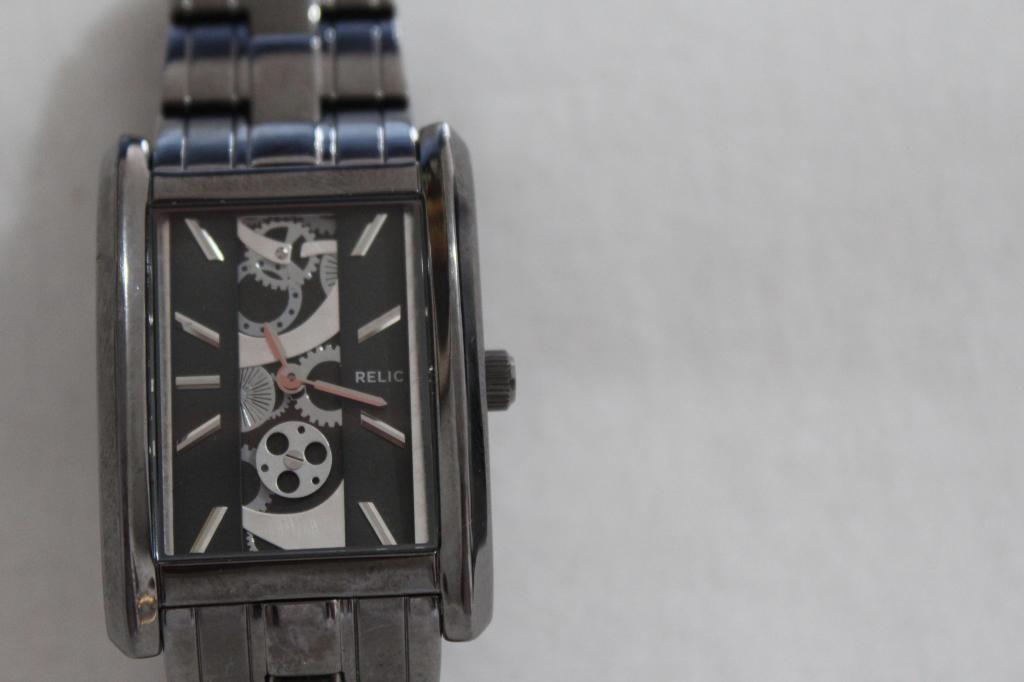 Vendo Reloj RELIC By Fosil Acero Inoxidable Ionizado Nuevo