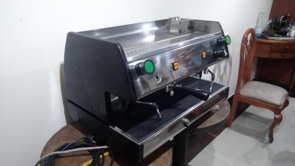 Se vende maquina para barista profesional de café