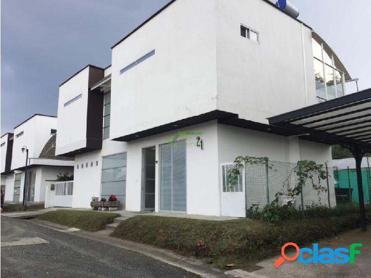 Se vende casa campestre, Santa Rosa de Cabal