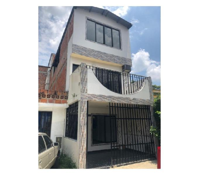 vendo casa para estrenar barrio alameda del rio