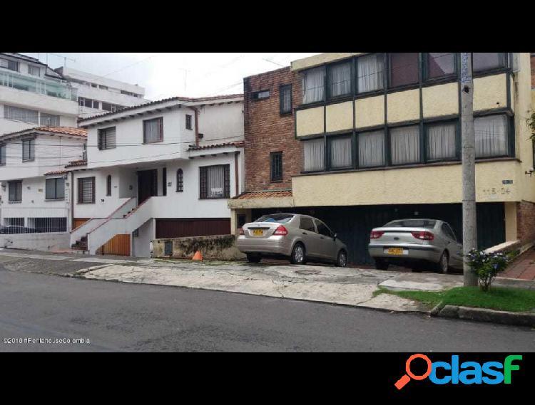 Casa en venta en Santa Barbara Central RAH: 19-378