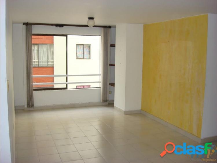 Vendo Apartamento Av 30 de Agosto Pereira Piso 3