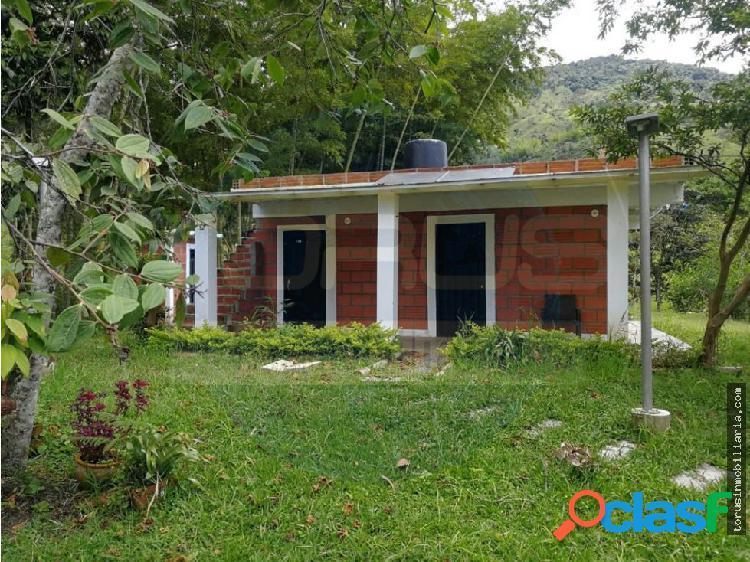 Se vende casa lote en Guatape - Peñol con embalse
