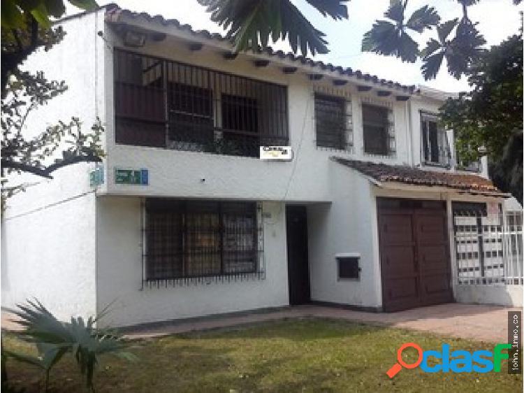 Casa en Venta en Prados del Norte - norte de Cali.