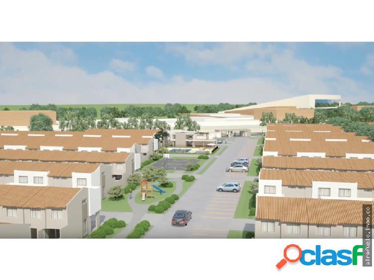 Vendo casa de 2 niveles en Ciudad Country