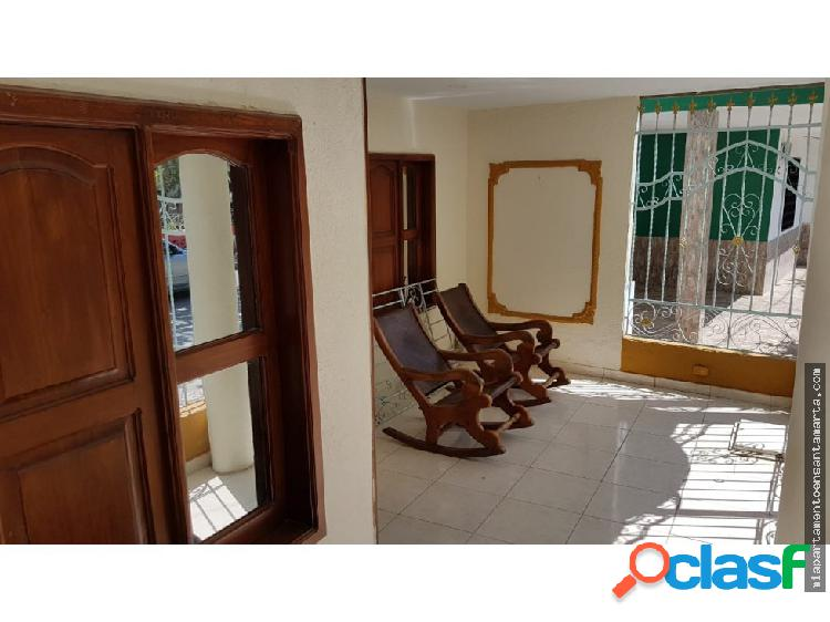 Venta de casa con apartamentos en Santa Marta