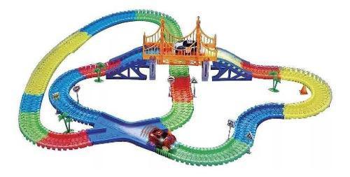 Pista Magic Tracks Set 360 Piezas 2 Carros + Puente