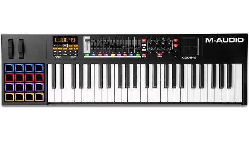 Controlador M Audio Code 49 + Base Adam Hall Sks01
