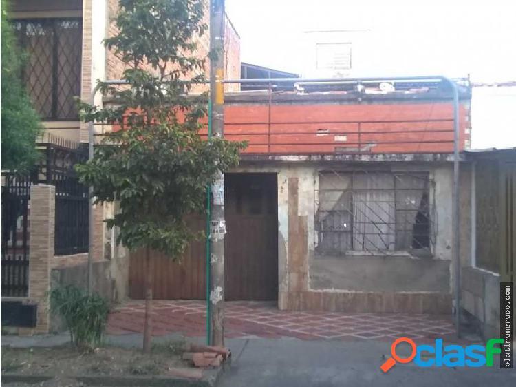 Casa lote en venta Aranjuez (C.P)