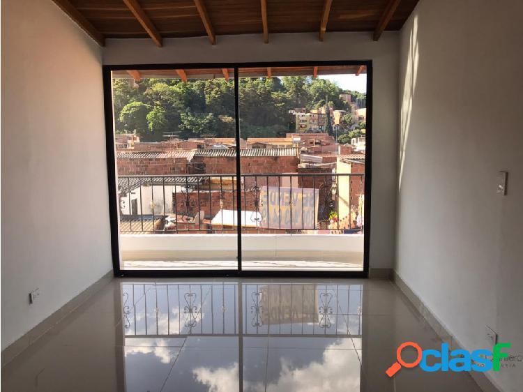 En el Salvador casa en venta