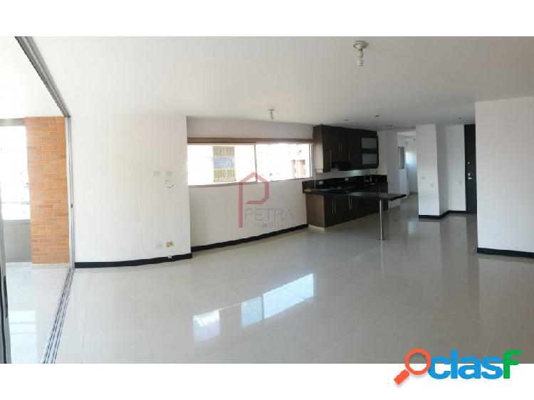 Se vende apartamento en Santa María, Medellin
