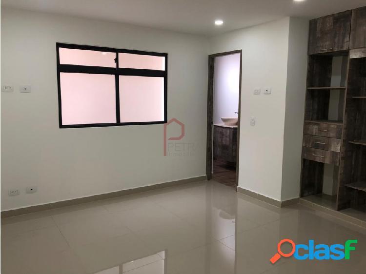 Se vende apartamento en la Castellana, Medellin