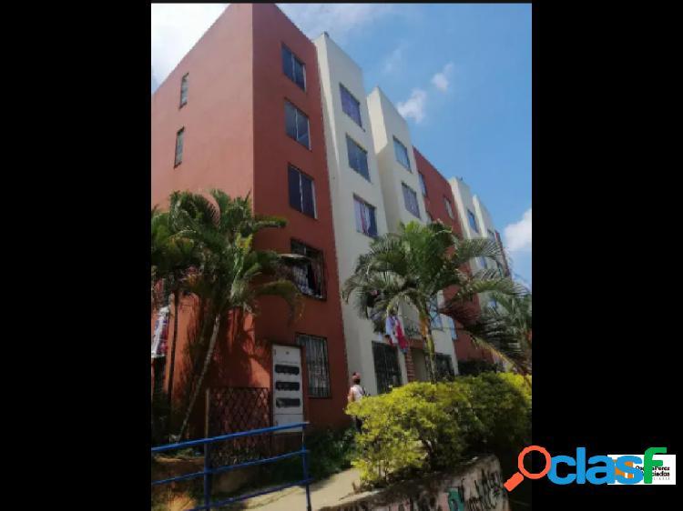 Venta Apartamento en Altos de Santa Elena. 1269.