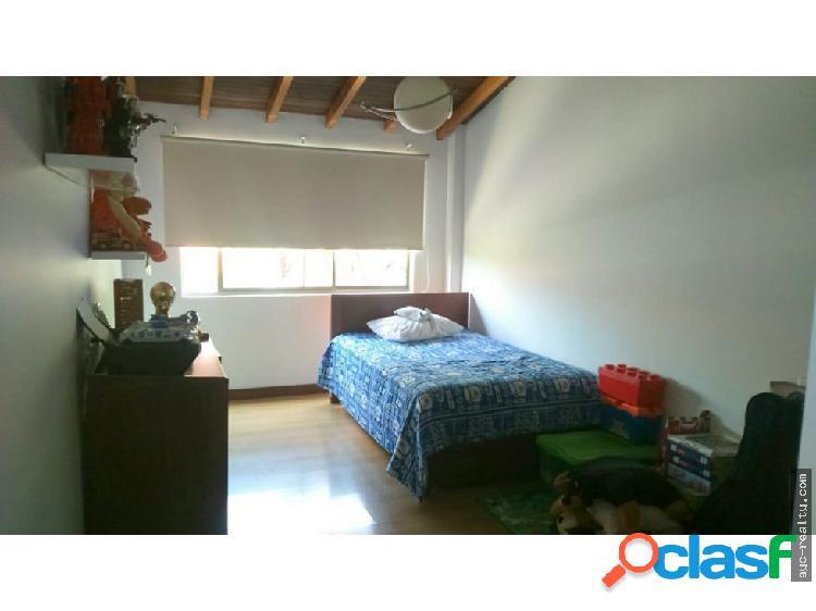 Venta casa, sector Montessori, Envigado