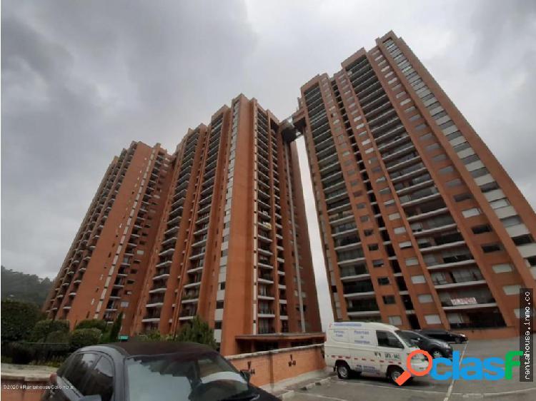 Apartamento en Arriendo Bogota RAH CO:20-1022