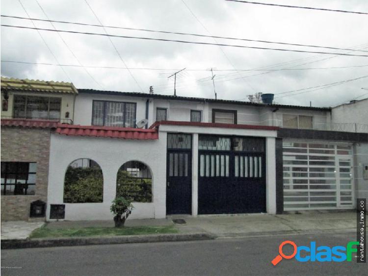 Casa en Venta Castilla(Bogota) RAH CO:20-1006