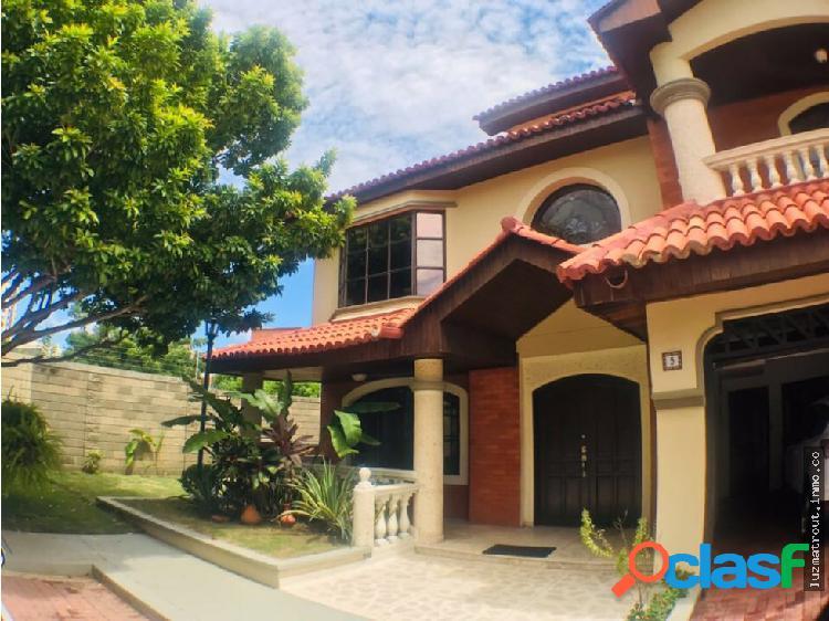Casa en arriendo en Villa Campestre 4 habitaciones
