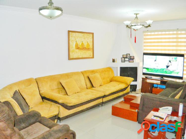 Vendo Casa Quintas del Marquez MLS 20-545