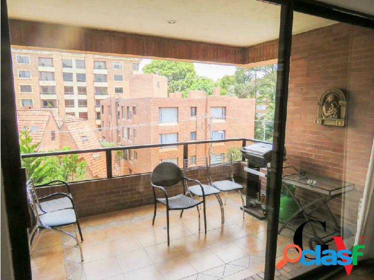 Amplio apartamento para venta en Chicó Navarra