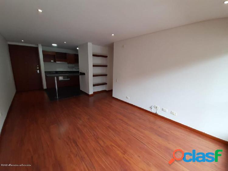 Apartamento en Arriendo Bogota FR 20-1022