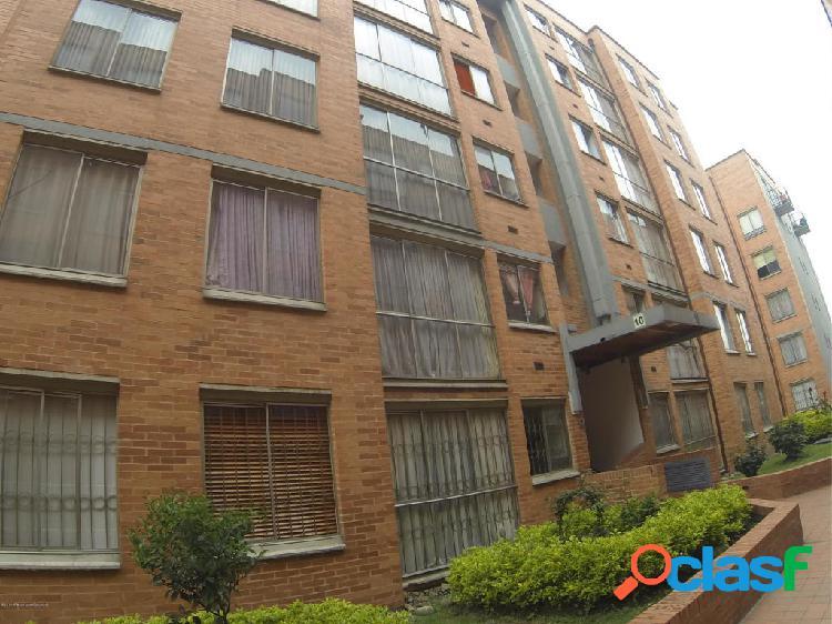 Apartamento en venta Hayuelos:20-561 ACFM