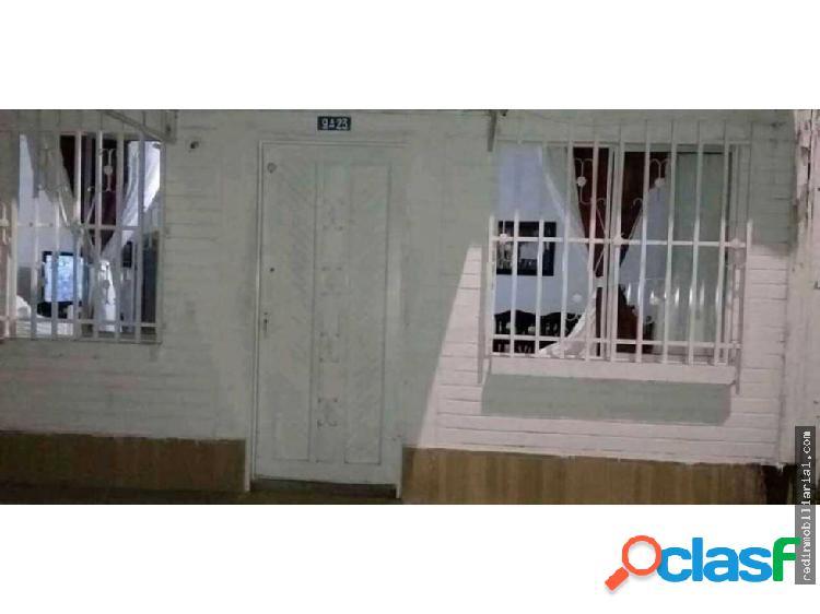 Se vende casa en el barrio hojarasca