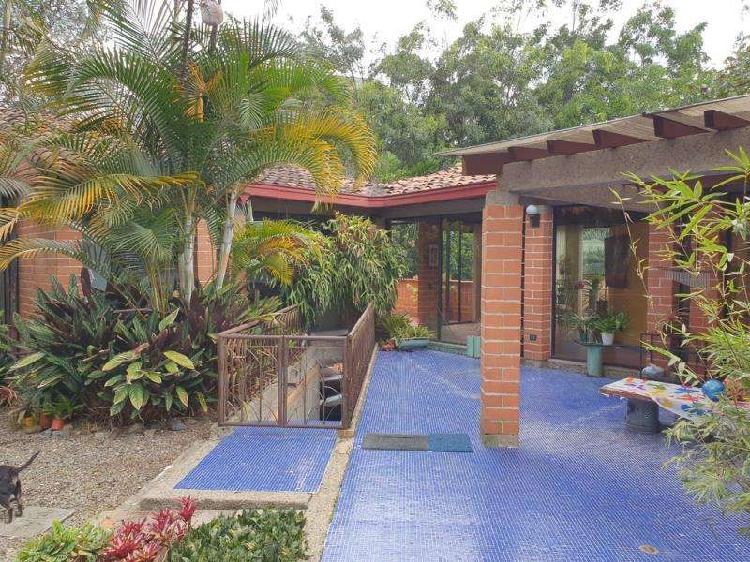 Casa Campestre En Arriendo/venta En Medellin Cola Del Zorro