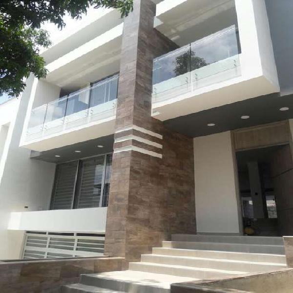 Casa En Venta En Cali Ciudad Jardín CodVBSBI10629
