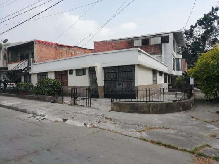 Casa En Venta En Cali La Campiña CodVBCMP1381