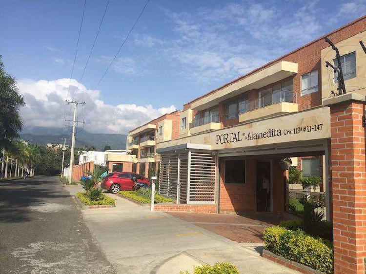 Apartamento En Arriendo En Cali Ciudad Jardín CodABLAS586