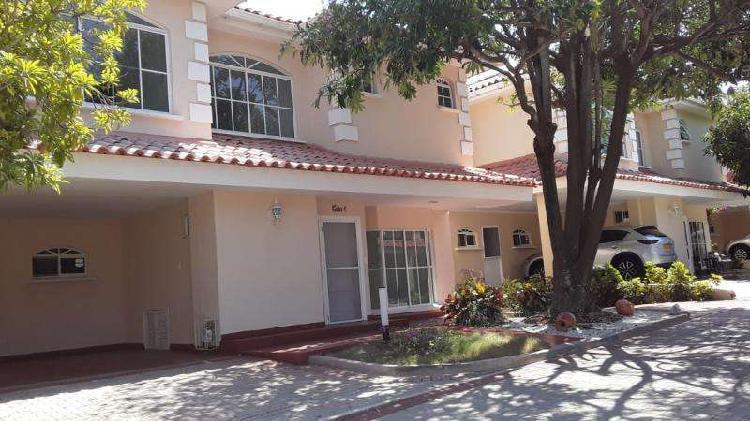Casa En Arriendo En Barranquilla La Castellana CodABINU21670