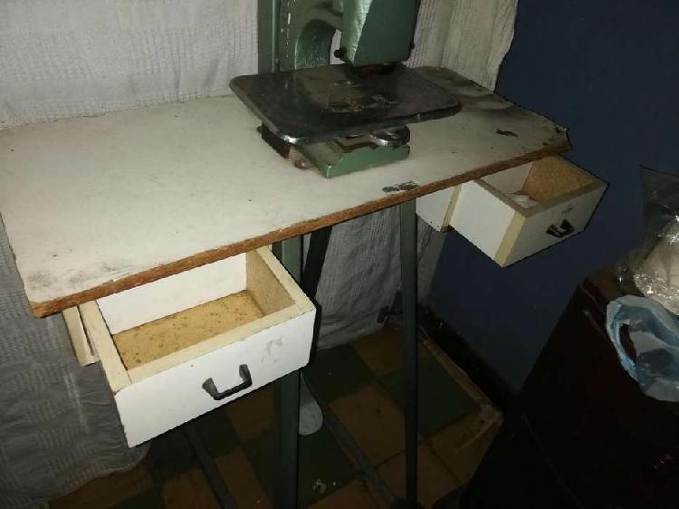Máquina para pegar grapas de pantalón, marca: Yidi