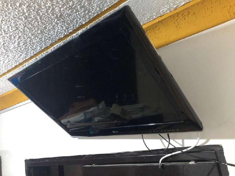 Se vende televisor LG de 32 pulgadas convencional