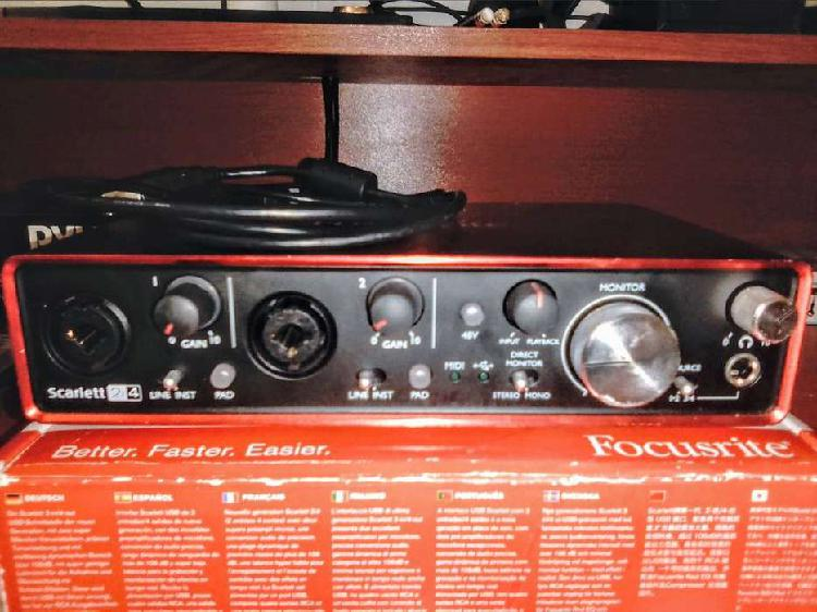 Vendo Interfaz de audio Focusrite Scarlett 2i4