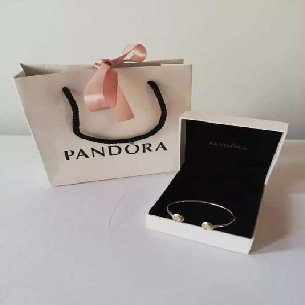 Vendo espectacular y autentica pulsera Pandora ¡POCAS VECES